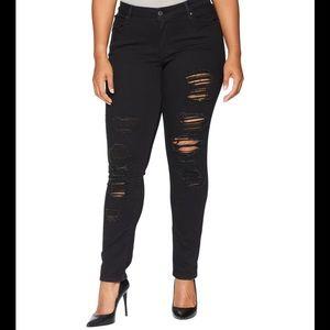 NWT Levi's 711 Black Skinny Jeans 26w